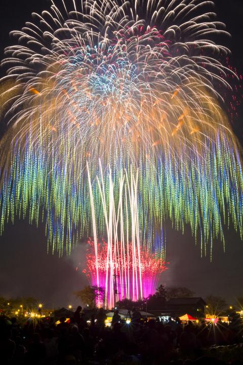 グラデーションの美しい土浦の花火
